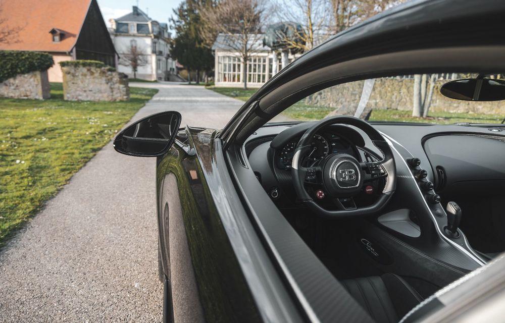 Bugatti a asamblat exemplarul Chiron cu numărul 300. Mașina aniversară este un Chiron Pur Sport - Poza 9