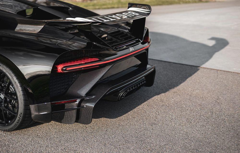 Bugatti a asamblat exemplarul Chiron cu numărul 300. Mașina aniversară este un Chiron Pur Sport - Poza 11