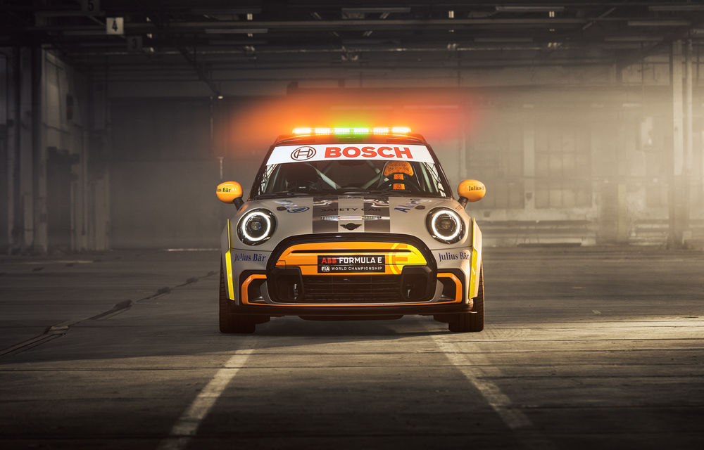 Formula E va avea un nou Safety Car: Mini Electric Pacesetter - Poza 4