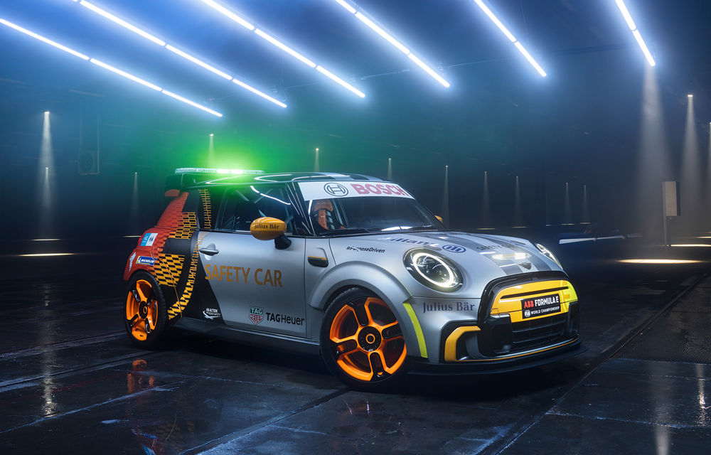 Formula E va avea un nou Safety Car: Mini Electric Pacesetter - Poza 6