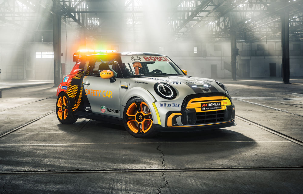 Formula E va avea un nou Safety Car: Mini Electric Pacesetter - Poza 1