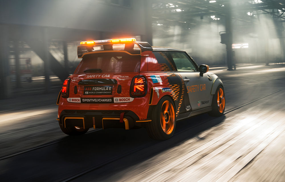 Formula E va avea un nou Safety Car: Mini Electric Pacesetter - Poza 2