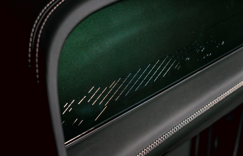 Bentley a realizat, la comandă, un Bentayga Hybrid unicat pentru un client din China - Poza 9