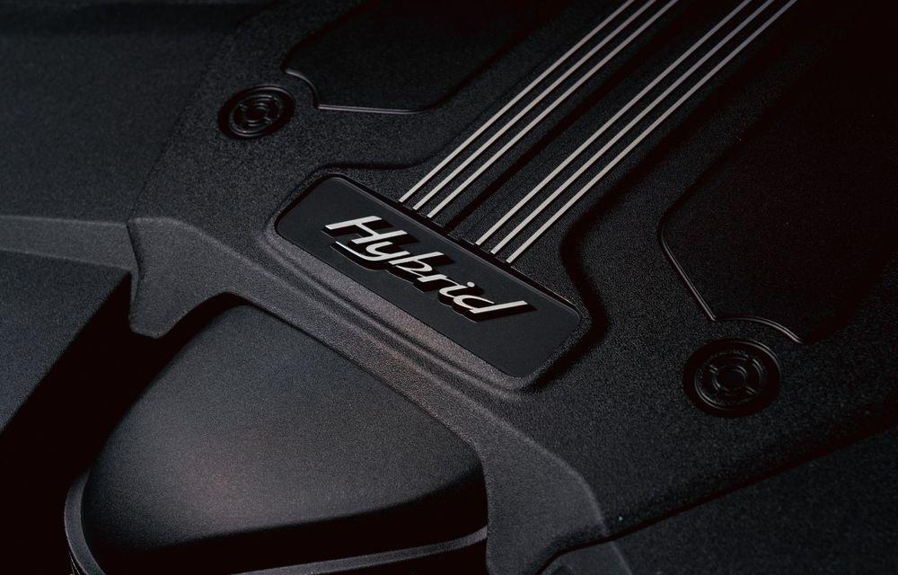 Bentley a realizat, la comandă, un Bentayga Hybrid unicat pentru un client din China - Poza 12