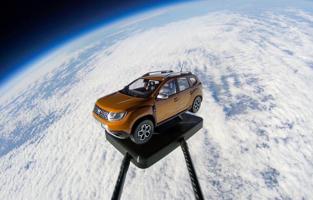Păcăleli de 1 aprilie: Dacia trimite un Duster în spațiu, iar BMW renunță la luminile de semnalizare - Poza 1