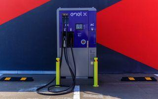 Enel X România instalează 25 de stații de încărcare pentru mașini electrice în mall-urile din 12 orașe