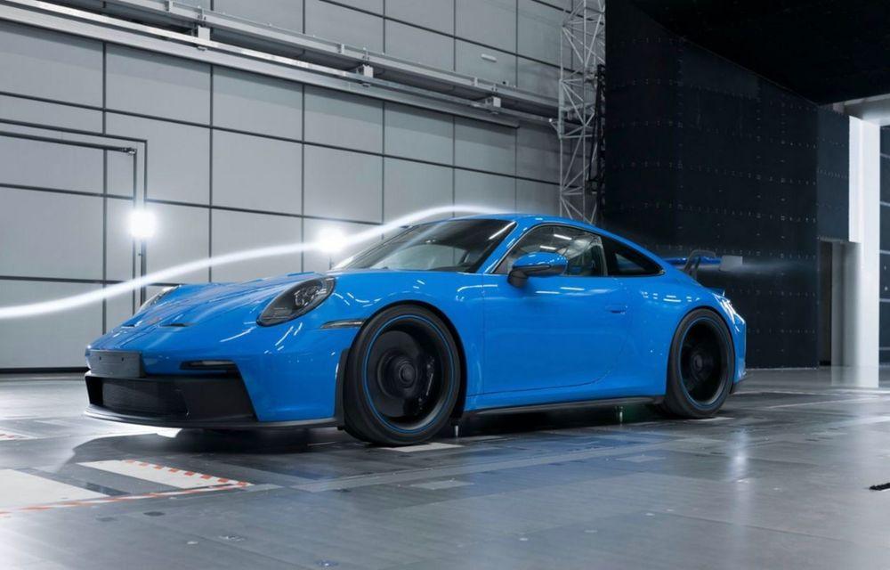 Test extrem: noul Porsche 911 GT3 a rulat încontinuu cu 300 de km/h pe o distanță de 5.000 de kilometri - Poza 3