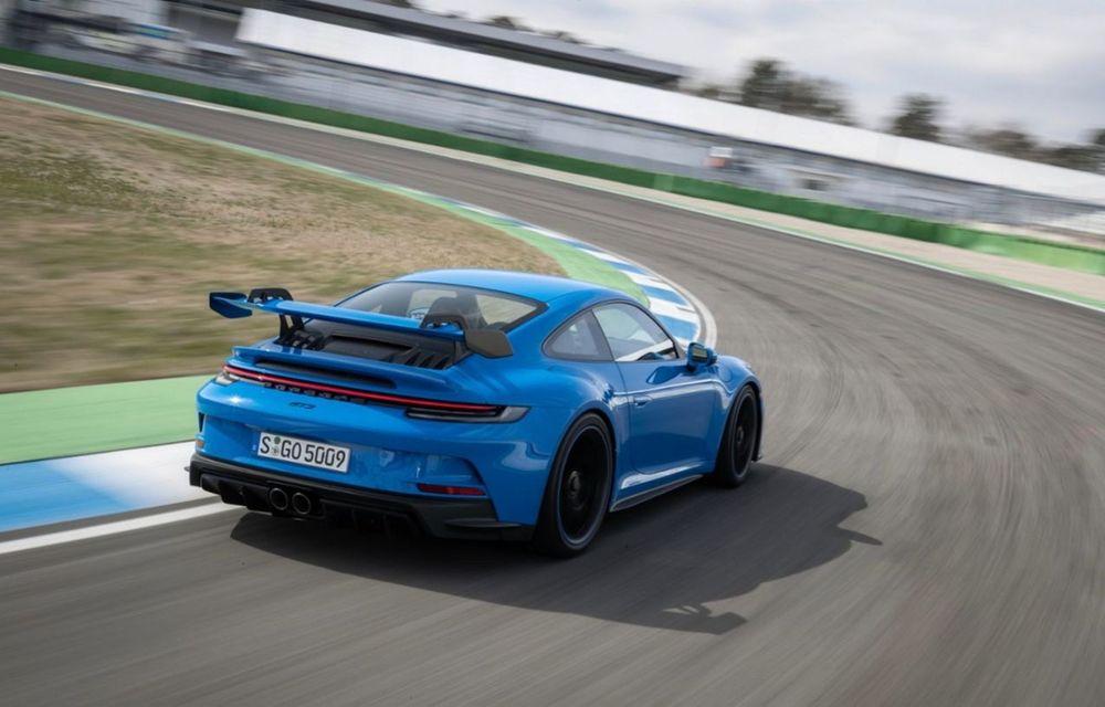 Test extrem: noul Porsche 911 GT3 a rulat încontinuu cu 300 de km/h pe o distanță de 5.000 de kilometri - Poza 2