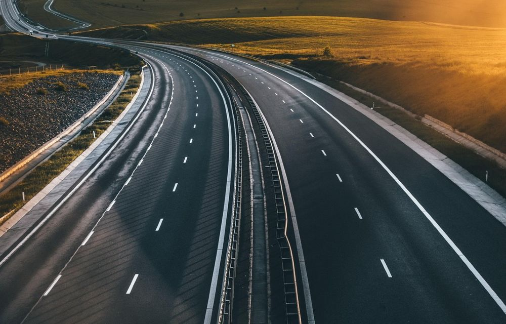 Undă verde pentru Autostrada Unirii. A fost semnat contractul pentru proiectarea drumului Iași-Târgu Mureș - Poza 1