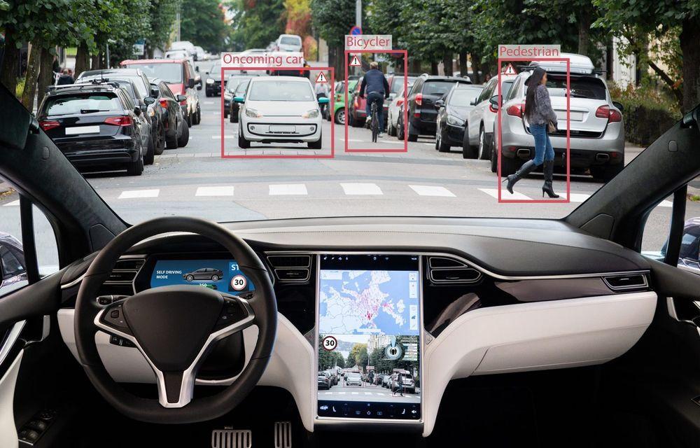 Elon Musk: Modelele Tesla vor putea să ruleze mai bine semi-autonom pe vreme rea și atunci când virează la stânga - Poza 1
