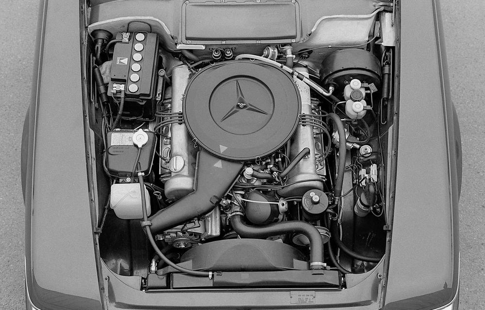 Aniversare pentru Mercedes-Benz SL. Celebra decapotabilă a împlinit 50 de ani - Poza 10