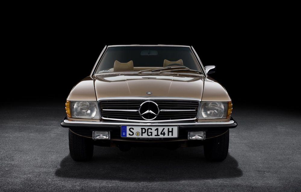 Aniversare pentru Mercedes-Benz SL. Celebra decapotabilă a împlinit 50 de ani - Poza 2