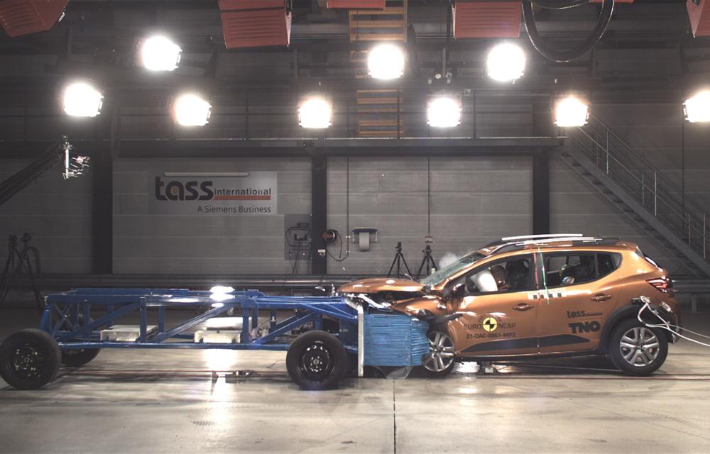 Dacia Sandero și Logan au primit 2 stele la testele EuroNCAP. Rezultatul, viciat de sistemele de siguranță - Poza 3