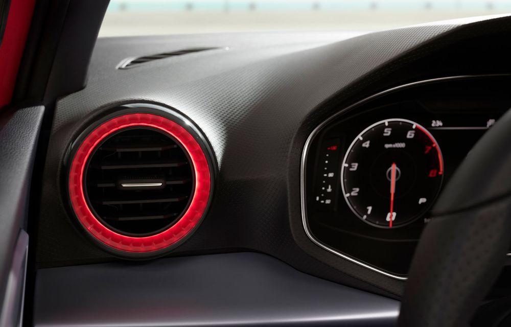 Seat a prezentat Ibiza facelift: modificări de design, noutăți la interior și motorizări pe benzină - Poza 13