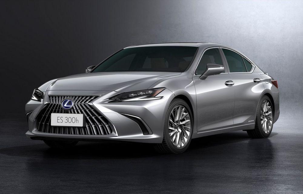 Lexus ES facelift: îmbunătățiri estetice, mai multă tehnologie și versiune nouă ES 300h F Sport - Poza 18