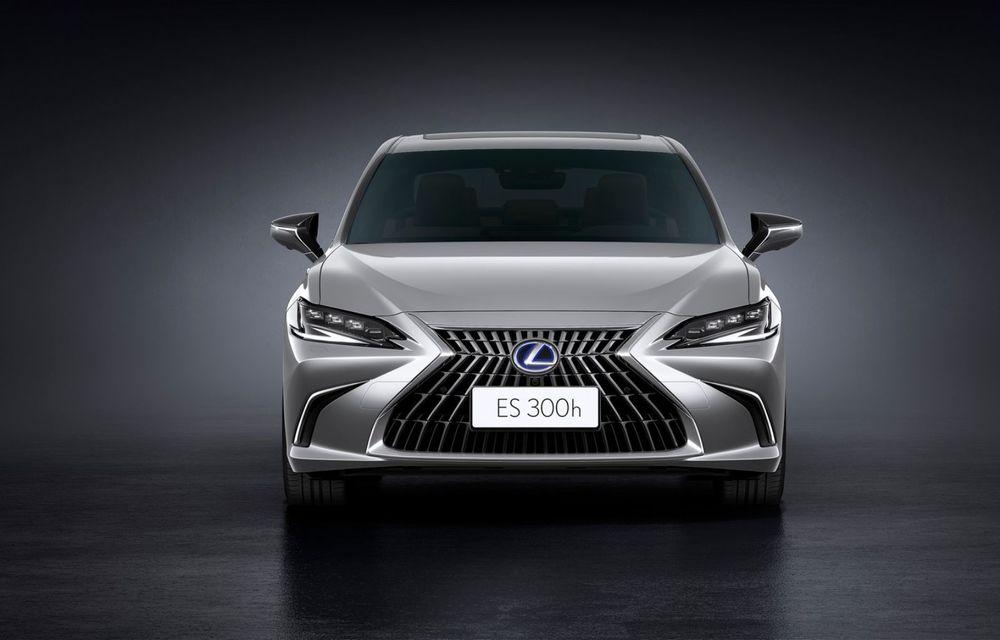 Lexus ES facelift: îmbunătățiri estetice, mai multă tehnologie și versiune nouă ES 300h F Sport - Poza 24