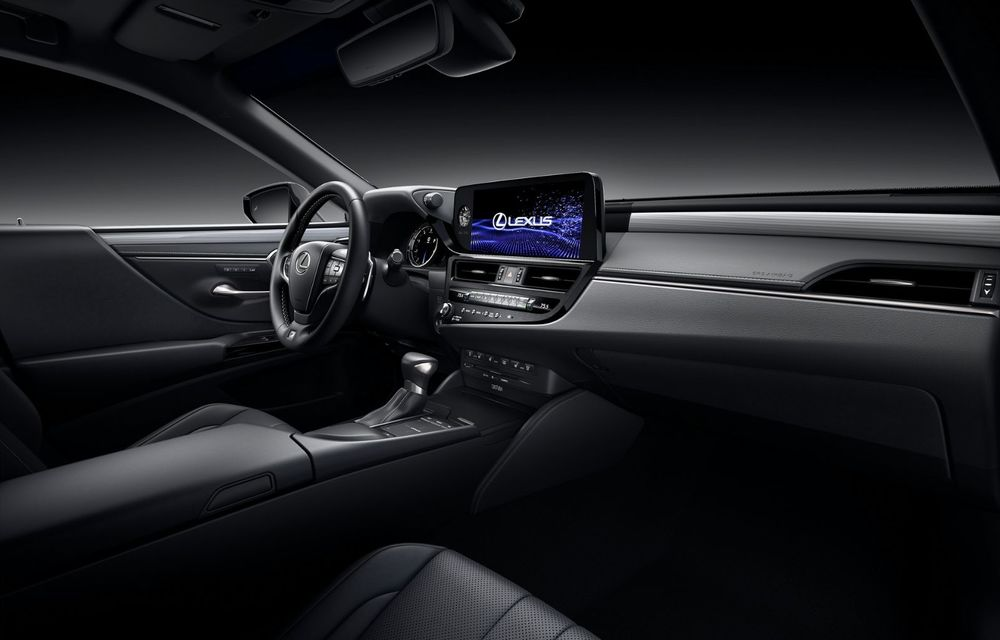 Lexus ES facelift: îmbunătățiri estetice, mai multă tehnologie și versiune nouă ES 300h F Sport - Poza 26