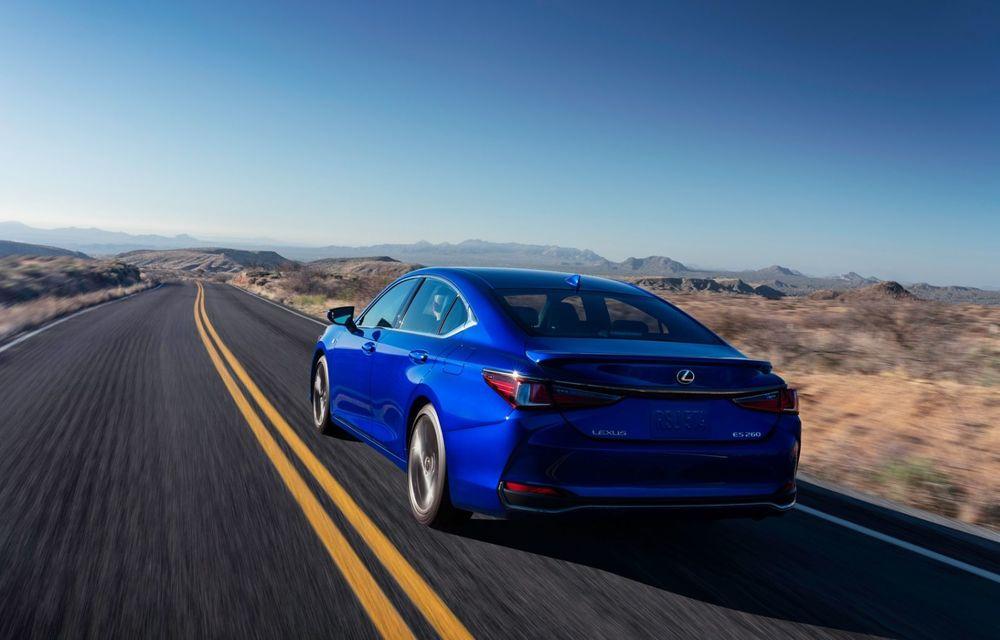 Lexus ES facelift: îmbunătățiri estetice, mai multă tehnologie și versiune nouă ES 300h F Sport - Poza 15