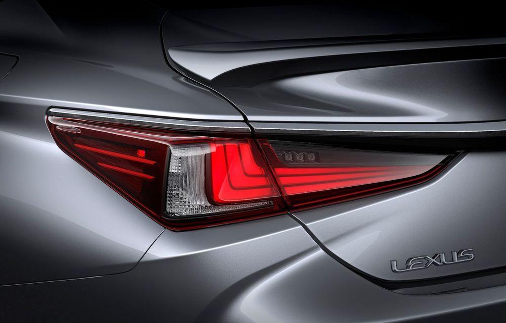 Lexus ES facelift: îmbunătățiri estetice, mai multă tehnologie și versiune nouă ES 300h F Sport - Poza 36