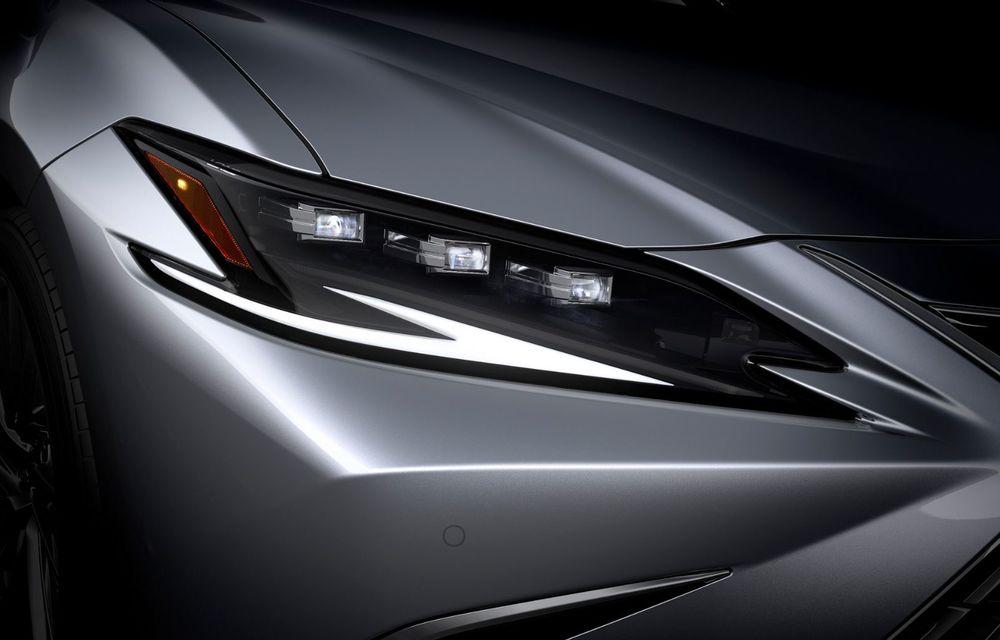Lexus ES facelift: îmbunătățiri estetice, mai multă tehnologie și versiune nouă ES 300h F Sport - Poza 35