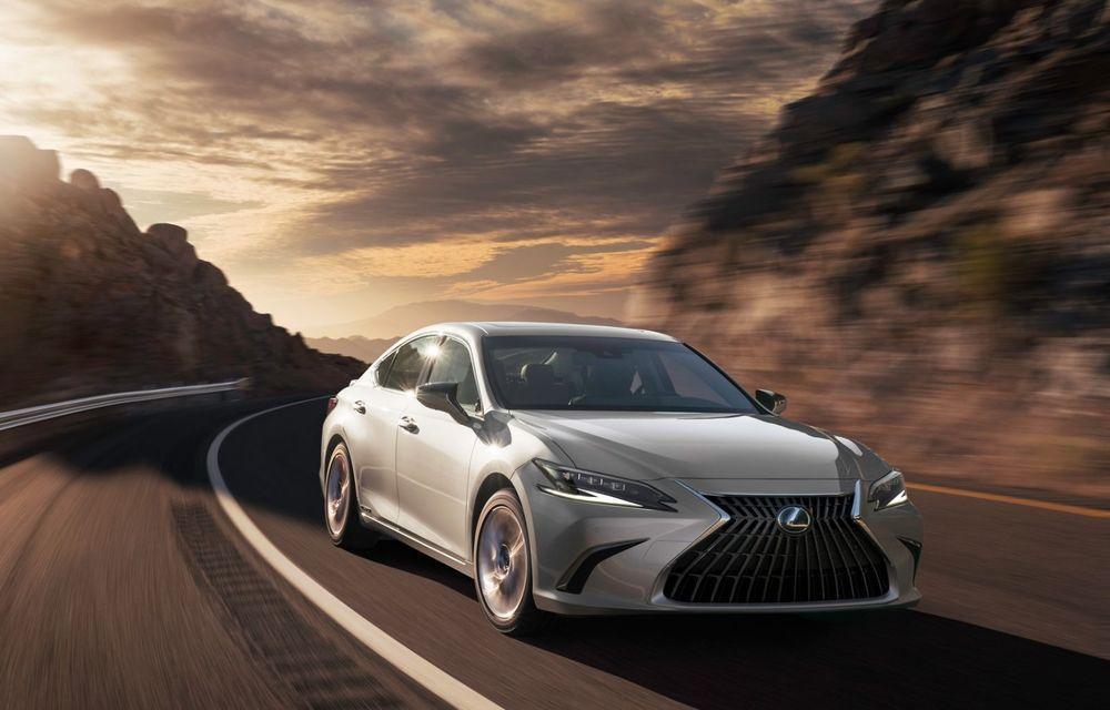 Lexus ES facelift: îmbunătățiri estetice, mai multă tehnologie și versiune nouă ES 300h F Sport - Poza 12