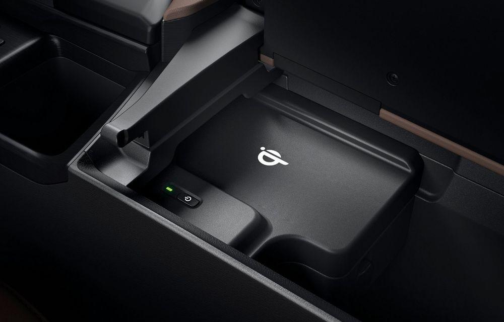 Lexus ES facelift: îmbunătățiri estetice, mai multă tehnologie și versiune nouă ES 300h F Sport - Poza 34