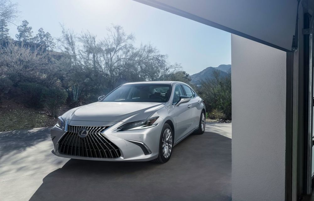 Lexus ES facelift: îmbunătățiri estetice, mai multă tehnologie și versiune nouă ES 300h F Sport - Poza 4