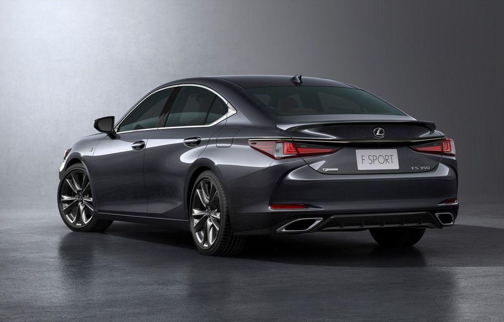 Lexus ES facelift: îmbunătățiri estetice, mai multă tehnologie și versiune nouă ES 300h F Sport - Poza 20