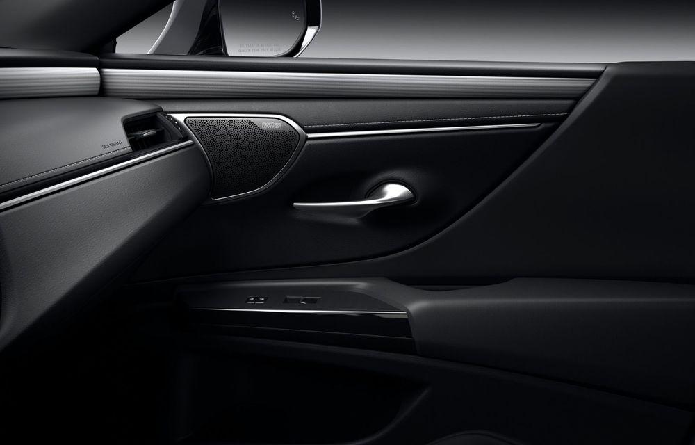Lexus ES facelift: îmbunătățiri estetice, mai multă tehnologie și versiune nouă ES 300h F Sport - Poza 31