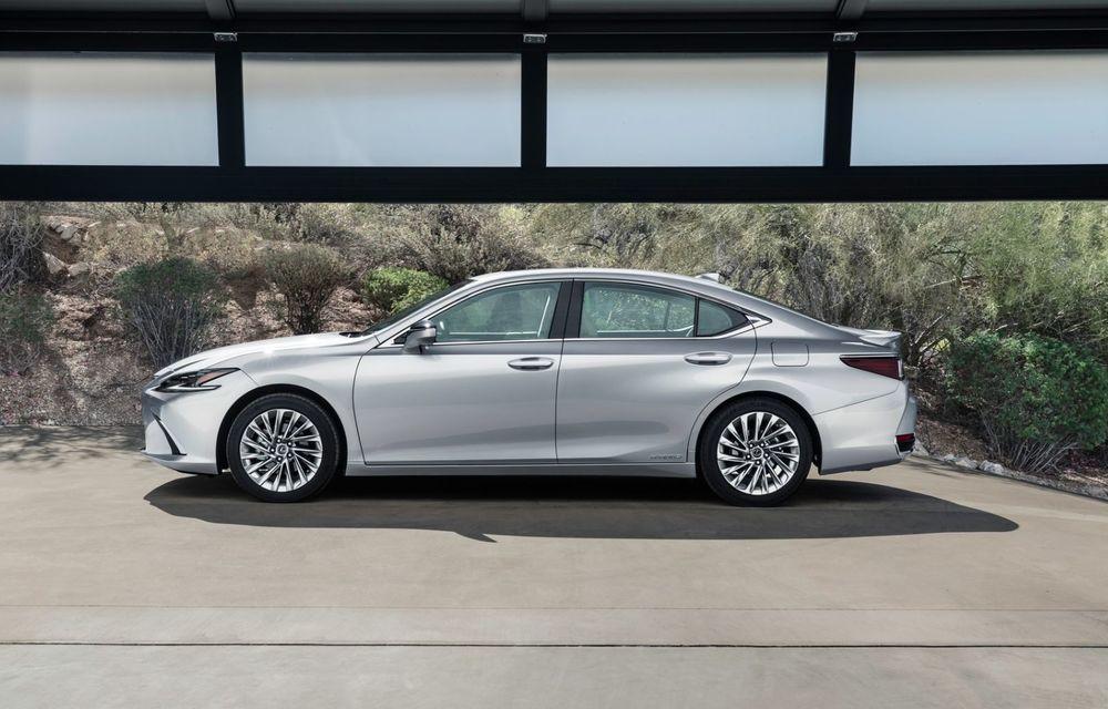 Lexus ES facelift: îmbunătățiri estetice, mai multă tehnologie și versiune nouă ES 300h F Sport - Poza 5