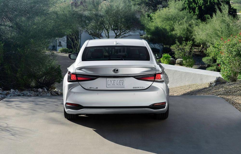 Lexus ES facelift: îmbunătățiri estetice, mai multă tehnologie și versiune nouă ES 300h F Sport - Poza 8