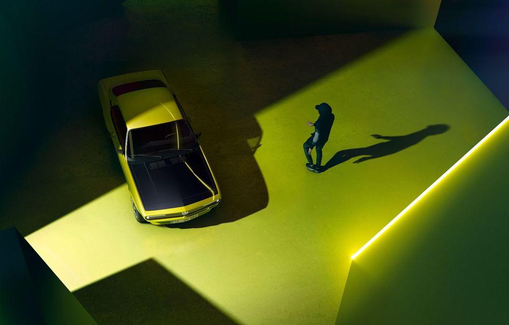 Opel dezvăluie primele imagini cu prototipul electric Manta Gse ElektroMOD: prezentare în 19 mai - Poza 8