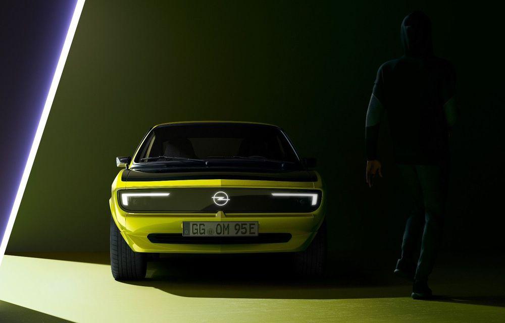 Opel dezvăluie primele imagini cu prototipul electric Manta Gse ElektroMOD: prezentare în 19 mai - Poza 1