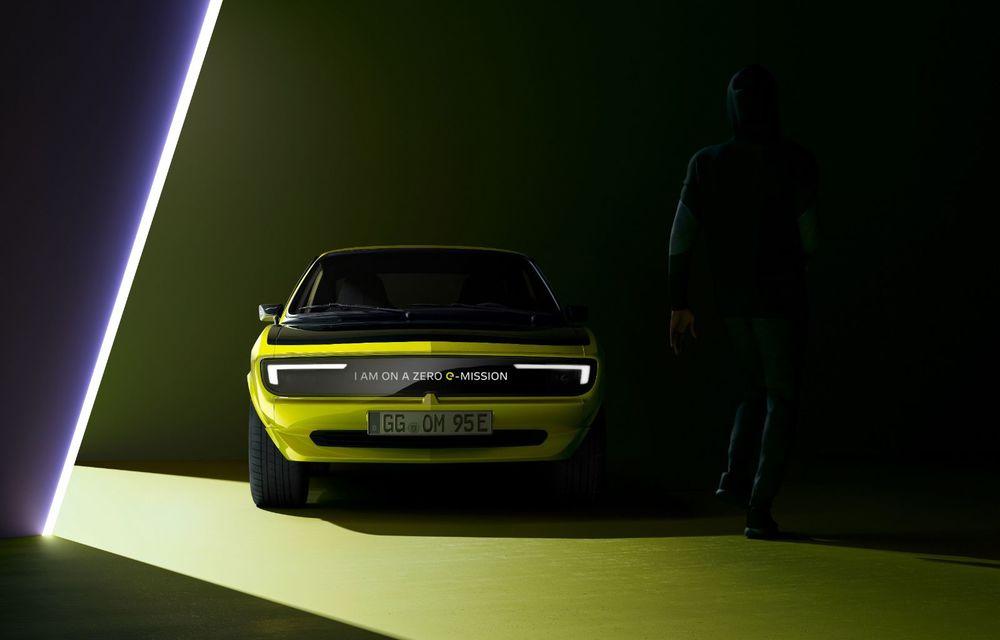 Opel dezvăluie primele imagini cu prototipul electric Manta Gse ElektroMOD: prezentare în 19 mai - Poza 2