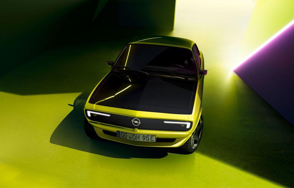 Opel dezvăluie primele imagini cu prototipul electric Manta Gse ElektroMOD: prezentare în 19 mai - Poza 7