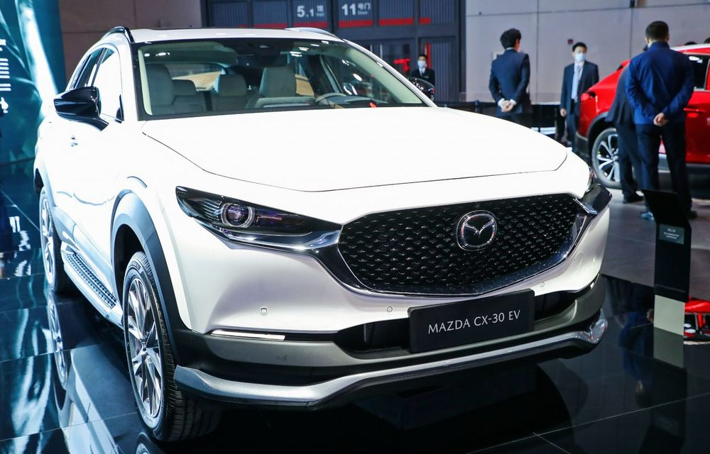 Mazda lansează noul CX-30 EV. SUV-ul cu zero emisii este disponibil doar în China - Poza 1