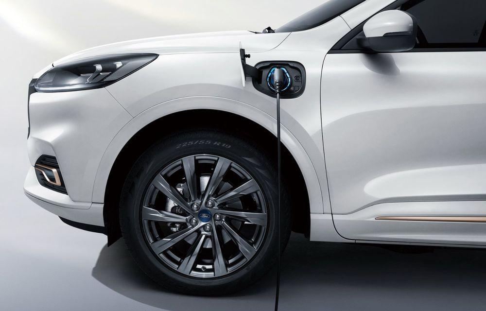 Ford a prezentat noul Evos: display uriaș de 43 inch și tehnologie de condus semi-autonom de nivel 2 - Poza 4