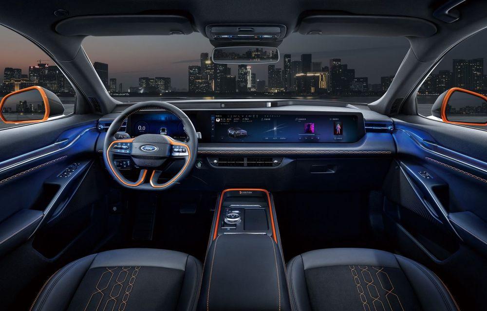Ford a prezentat noul Evos: display uriaș de 43 inch și tehnologie de condus semi-autonom de nivel 2 - Poza 6