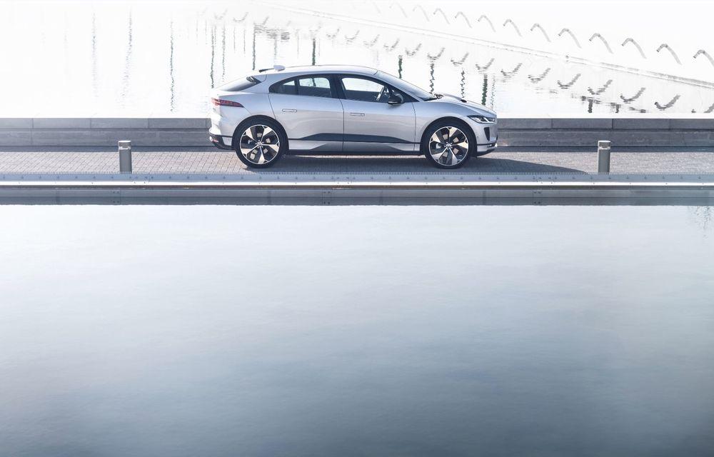Jaguar anunță o nouă variantă Black pentru SUV-ul electric I-Pace - Poza 8