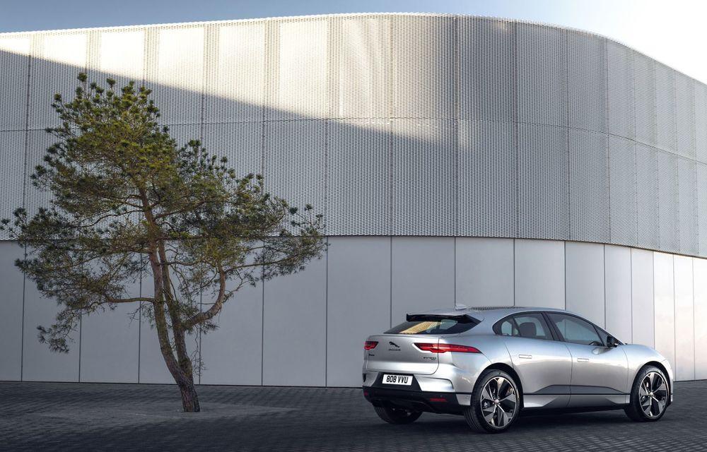 Jaguar anunță o nouă variantă Black pentru SUV-ul electric I-Pace - Poza 6
