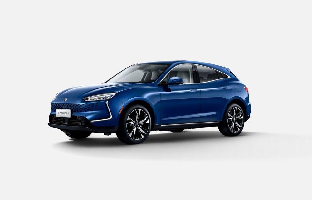 Huawei a lansat primul său automobil. SF5 este un SUV cu 551 CP și 180 km autonomie în modul electric - Poza 1