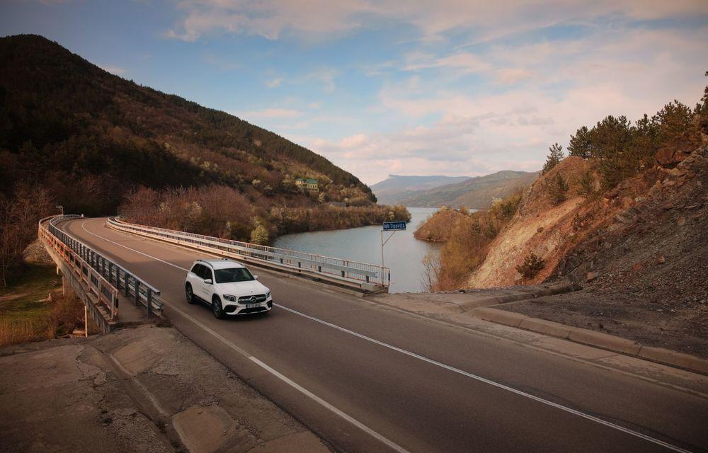 Descoperim Dunărea cu Mercedes-Benz GLB (ziua 1): Chipul lui Decebal sculptat în piatră și un hotel ca în Maldive - Poza 19