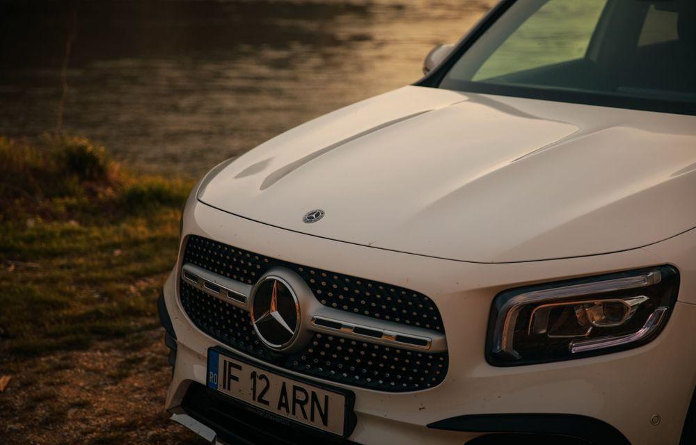 Descoperim Dunărea cu Mercedes-Benz GLB (ziua 1): Chipul lui Decebal sculptat în piatră și un hotel ca în Maldive - Poza 35