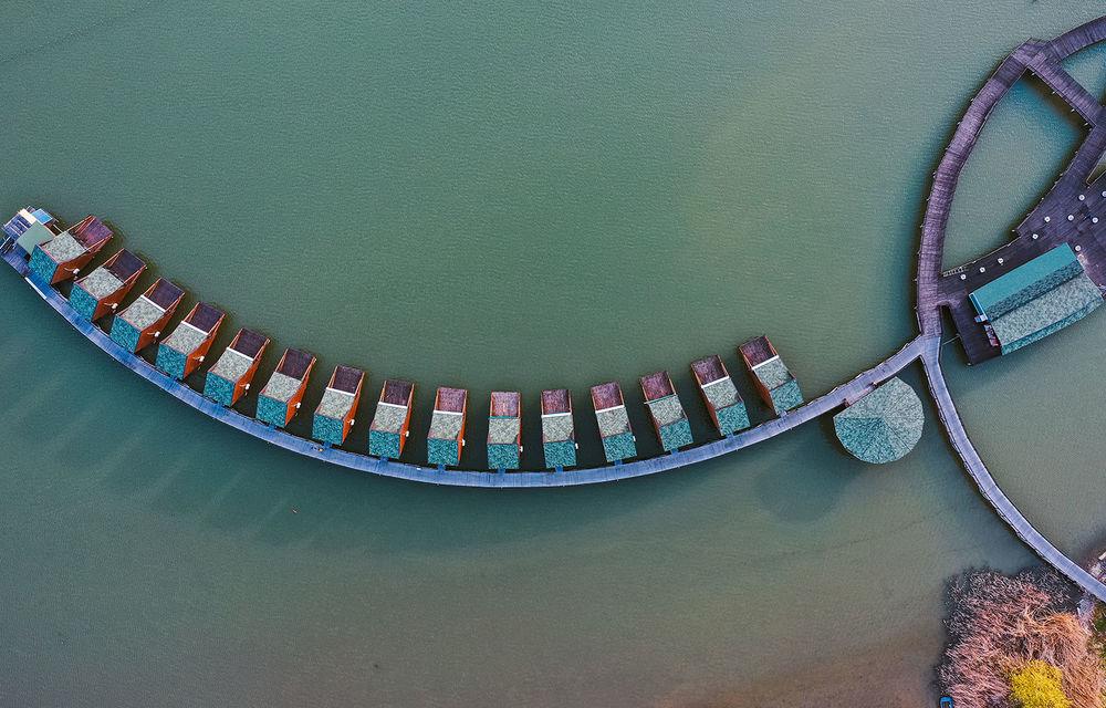 Descoperim Dunărea cu Mercedes-Benz GLB (ziua 1): Chipul lui Decebal sculptat în piatră și un hotel ca în Maldive - Poza 17