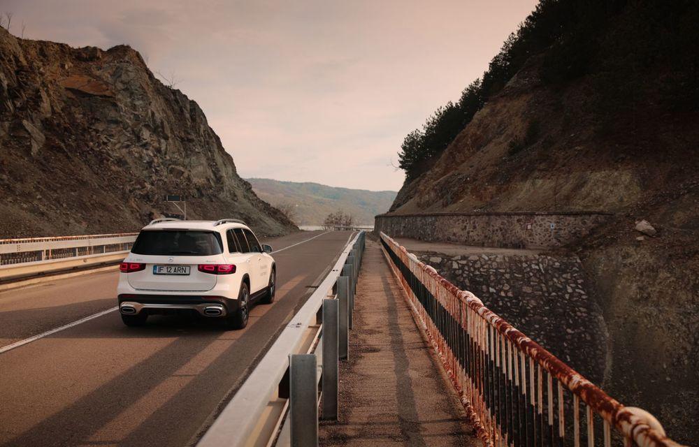 Descoperim Dunărea cu Mercedes-Benz GLB (ziua 1): Chipul lui Decebal sculptat în piatră și un hotel ca în Maldive - Poza 25