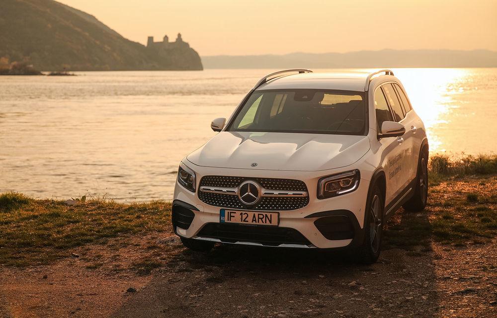 Descoperim Dunărea cu Mercedes-Benz GLB (ziua 1): Chipul lui Decebal sculptat în piatră și un hotel ca în Maldive - Poza 1