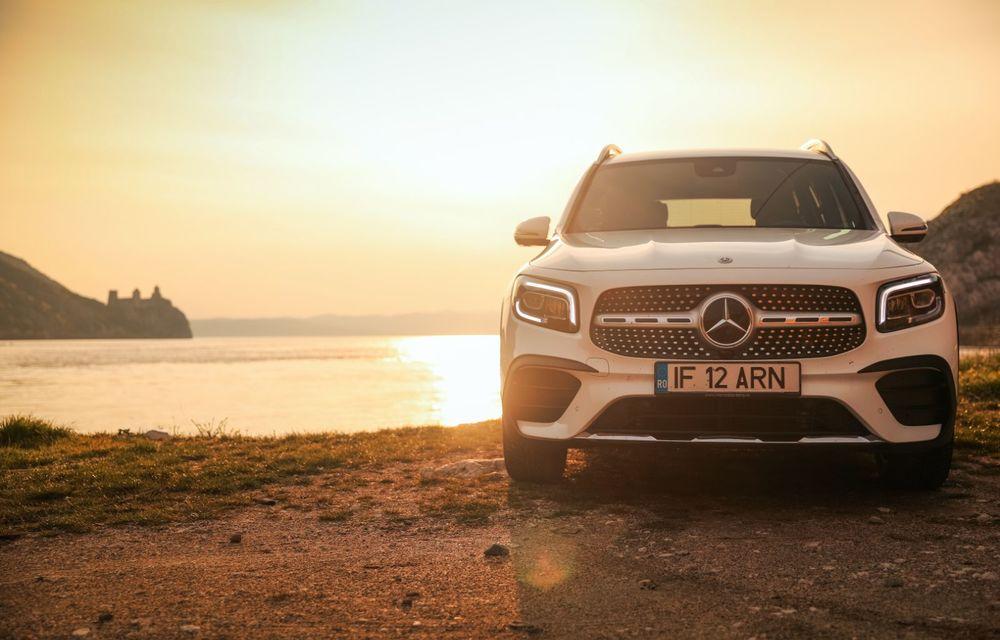 Descoperim Dunărea cu Mercedes-Benz GLB (ziua 1): Chipul lui Decebal sculptat în piatră și un hotel ca în Maldive - Poza 9