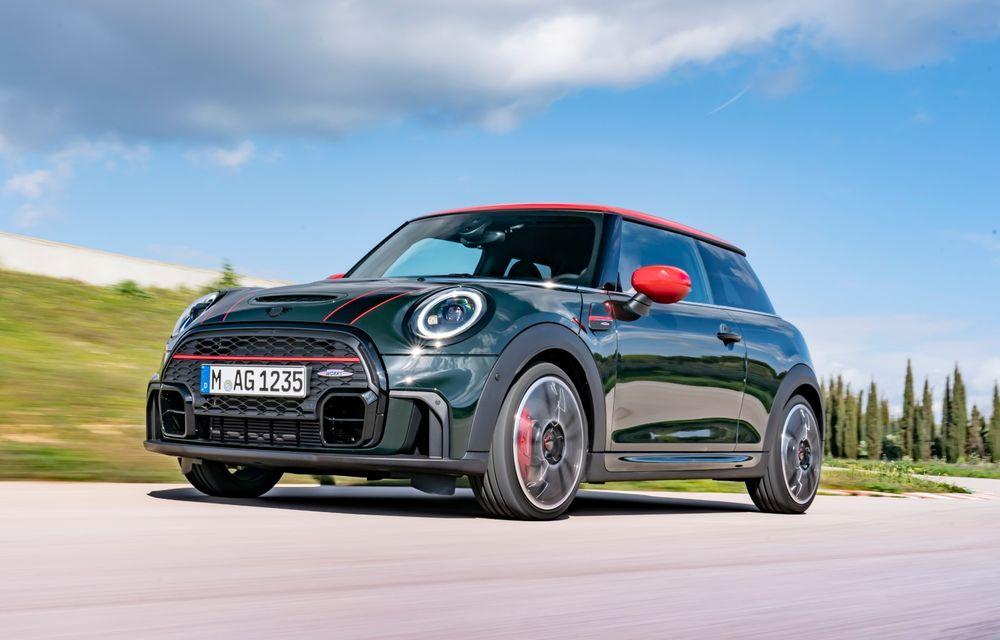 Prețuri Mini John Cooper Works facelift în România: varianta cu 3 uși pornește de la 33.558 euro - Poza 1