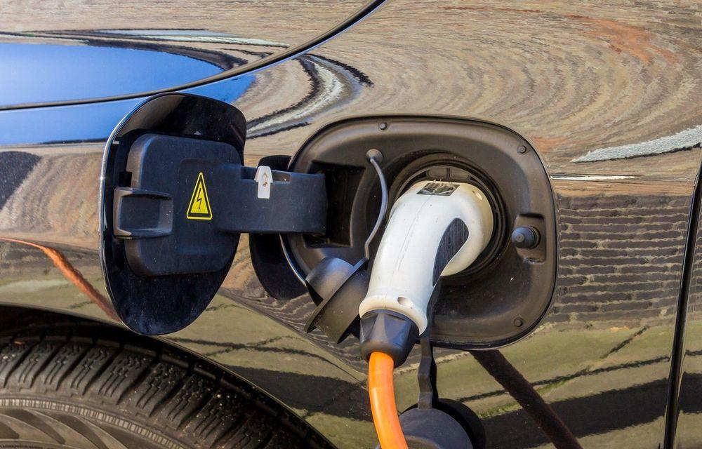 Vânzările europene de mașini diesel au scăzut cu 20% în primul trimestru: cotă dublă de piață pentru hibrizi - Poza 1