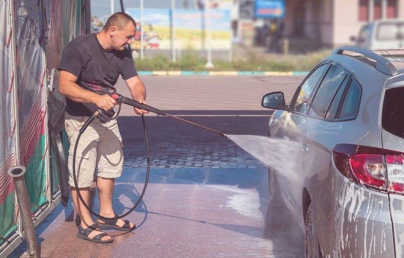 Peste 60% dintre șoferii români preferă spălătoriile auto self-service - Poza 1